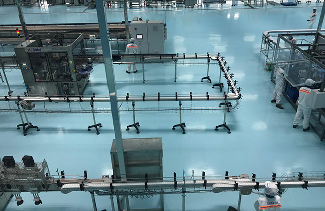 Flowfresh SL polyurethane resin floor system was chosen, thanks to its suitability to dry and semi-wet food and beverage spaces